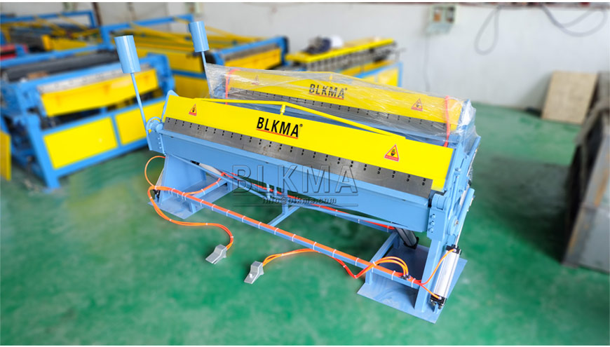 Pneumatic Folding Machine